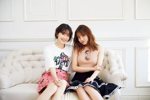 AKB48加藤玲奈:初の写真集で「脱ぎすぎ」? 先輩こじはると対談で明かす