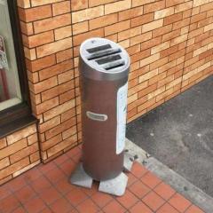 セブンイレブンが都内の灰皿撤去 喫煙者の憩いの場なくなる