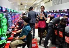 パチンコホール「規制」で倒産激増?ヘビーユーザー離れの危機