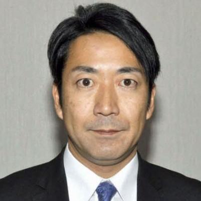 女性問題で中川政務官辞任 父は元自民党の幹事長