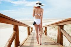 藤田ニコル、写真集の水着ショットに称賛の声「おしりが綺麗すぎる」のイメージ画像
