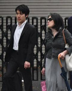「眞子さま・小室圭さん」、結婚にまつわる「身体検査」はどうなっていたのか?のイメージ画像
