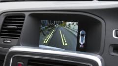 車のバックカメラ義務化へ。バック時の事故防止に期待のイメージ画像