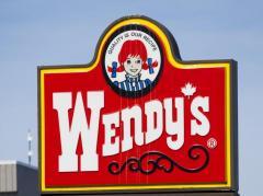 クレーム客が重傷 ウェンディーズ店員に熱々の揚げ油をかけられた アメリカ