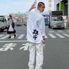 YOSHI、丸刈りヘアでの意味深投稿で大炎上「厨二病ですか?」のイメージ画像