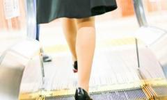 盗撮された女性が機転をきかせ「盗撮返し」 JR西日本の系列会社社員(22)逮捕 兵庫のイメージ画像