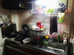 「夜中に台所で見知らぬ男が勝手に食事していた」 取り押さえ後、意識失い死亡 大阪のイメージ画像