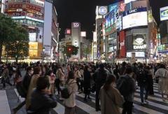 東京都で新たに907人の感染確認 6日ぶりに900人上回る 重症者は3人減の69人