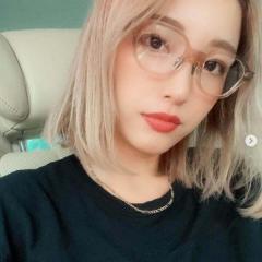 木下優樹菜、金髪ボブ&メガネの自撮りにネット騒然「韓国人みたい」