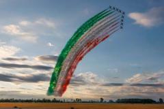 イタリア空軍曲技飛行隊「フレッチェ・トリコローリ」創設60周年記念エアショーを開催のイメージ画像