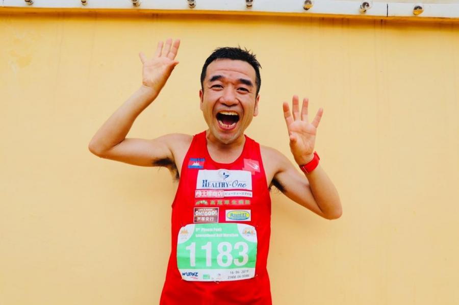 猫ひろし選手 「プノンペン国際ハ ーフマラソン」2位!