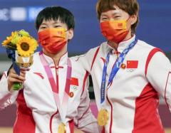 中国選手が表彰式で毛沢東バッジ 自転車女子、IOC調査政治的、宗教的、人種的な宣伝活動を禁じる五輪憲章第50条に違反する可能性のイメージ画像