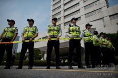 学生に人糞を食べさせ虐待、元大学教授に懲役12年 韓国