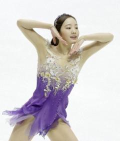 本田真凜が笑顔で滑り初め「ザ・ギビング」で魅了のイメージ画像
