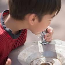 アジアで水道水が飲めるのは2か国だけ?のイメージ画像