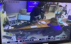 チェンマイで銀行強盗、カウンターを乗り越えて19,560バーツ奪うのイメージ画像