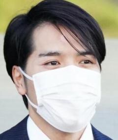 小室圭さん 初の非公式外出 SPに囲まれタクシーに フジなどTV報道