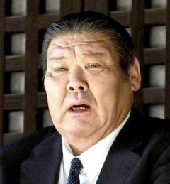 朝乃山のキャバクラ問題で再雇用の元大関・朝潮が引責退職…朝乃山は引退届を出していたのイメージ画像