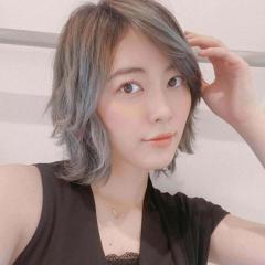 松井珠理奈、グレーの新ヘアに賛否の声「白髪染めに見える」