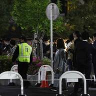 東京都職員、感染者1315人の日に路上で5時間飲酒し店員殴る…停職1日の処分のイメージ画像
