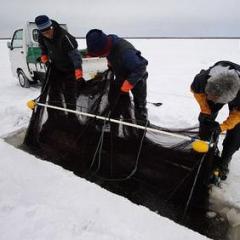 氷下待ち網漁のイメージ画像