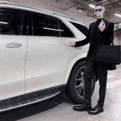MattRose、全身黒コーデでスタイルの良さを披露「マネキンみたい」「同じ人間と思えない」