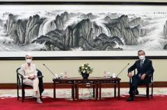 米中高官会談、香港・ウイグル問題など議論平行線のイメージ画像