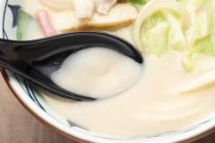 秋の人気商品、旨みぎっしり!丸亀製麺『ちゃんぽんうどん』のイメージ画像