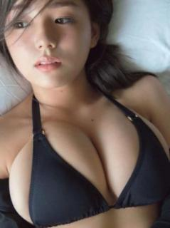 レジェンドグラドル篠崎愛「激変のスタイル披露」YouTubeで再ブレイクへのイメージ画像