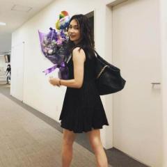 長谷川京子、超ミニスカ姿の美脚が大不評「この服装してたら痛い」のイメージ画像