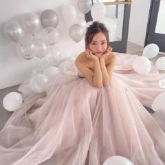 板野友美、ウェディングドレス姿のオフショットに賛否の声「幸せアピールはもういい」のイメージ画像