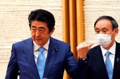 """一度も身につけなかった """"アベノマスク""""…菅義偉はコロナ禍に揺れる安倍内閣をどう見ていたのかのイメージ画像"""