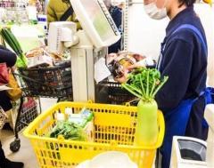 スーパーの従業員「〇〇は堂々と買ってください」買い物客へ向けた『切実なお願い』にハッとする…「後ろめたいと思っていた」