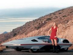 過ぎし日の男のロマンが凝縮、最高すぎるフェラーリ・モデューロ(と美女)の写真