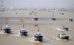 南シナ海に260隻で居座り続ける中国船の傍若無人のイメージ画像