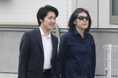 「母を守る…」小室圭さんが金銭問題を引き延ばしていた理由のイメージ画像