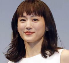 """綾瀬はるかコロナ感染、発表の""""経緯""""に表れたホリプロの違和感のイメージ画像"""