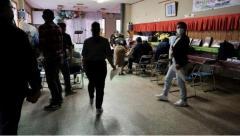 オーバーステイ外国人にワクチン集団接種始まる 茨城県庁で大洗町インドネシア人41人 死角に光のイメージ画像