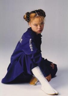 """15歳で暴走族総長、30代で""""女子少年院を全国制覇""""した女性の生き様 この子たちは、20年前の私だったのイメージ画像"""