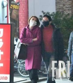 TV局社長と女子アナW不倫!手をつないで「密会用マンション」へのイメージ画像