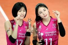 代表追放になった韓国バレー界のアイドル双子姉妹 ナイフで脅す?中学時代のヤバいイジメの内容とはのイメージ画像