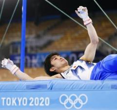 内村航平「土下座したい」個人枠争った米倉に謝罪の思い 体操するのは「もういいのかな」のイメージ画像