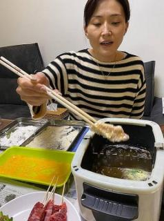 宮崎謙介&金子恵美、家族がテンション上がる夕食に「最高晩餐」「美味しそう」の声のイメージ画像