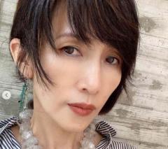 工藤静香、シワのない自撮り公開でネット騒然「51歳には見えない」のイメージ画像